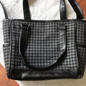 Black and gray houndstooth purse from thirty-one